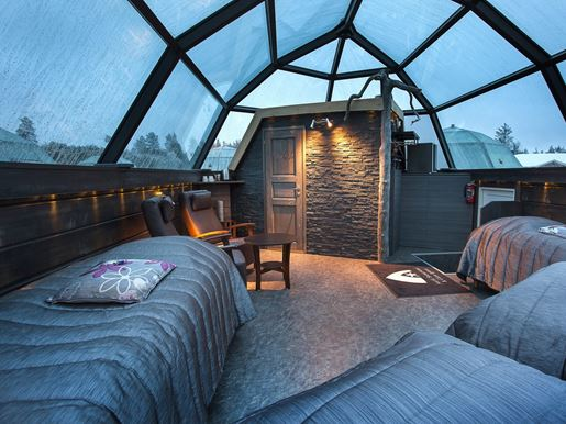 Family glass igloo can fit 5 bedsv2.jpg