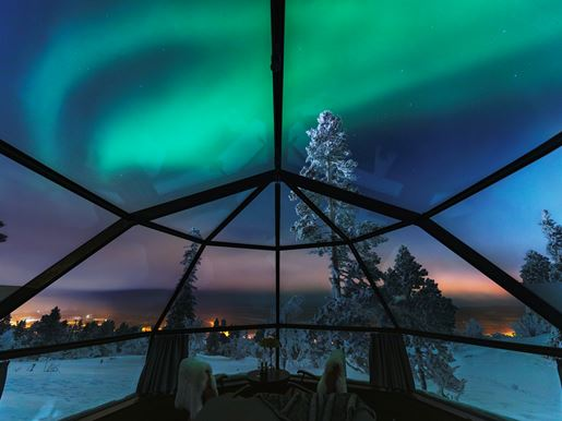 Winter 2019 Aurora Borealis View From Glass Igloo 01