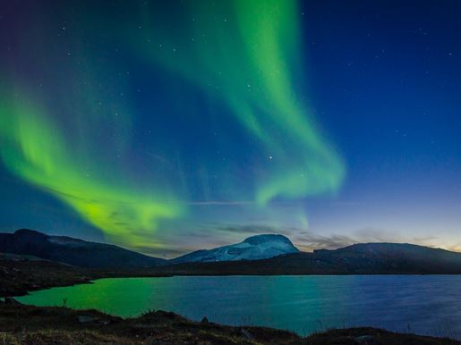 Northern Lights over Abisko National Park - David Becker 58X3xfxxevu Unsplash