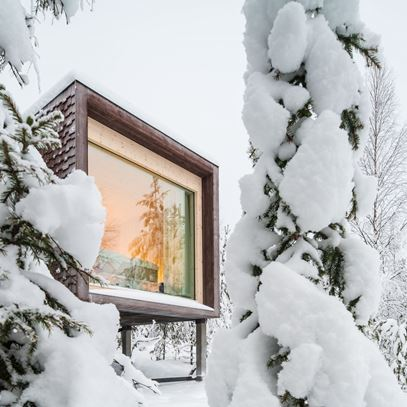 3 Arctic Treehouse Hotel Suite Winter View